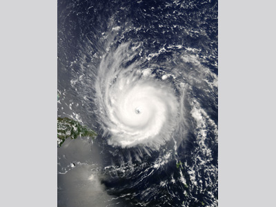 Satellite image of Hurricane Frances with a well defined eye.
